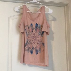 Jessica Simpson off the shoulder tee